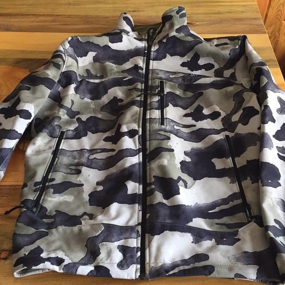 3393e2839 Men's The North Face camo jacket.